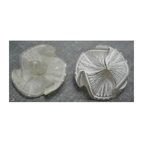 Bouton fleur écru trilobe 27mm