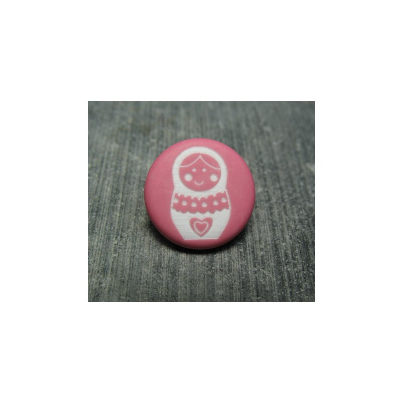 Bouton poup e russe rose 15 mm auchtibouton for Poupee russe