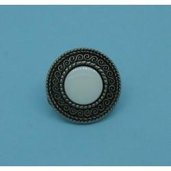 Bouton métallisé entrelas centre blanc 16mm