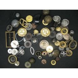 Lot 68 Boutons métal