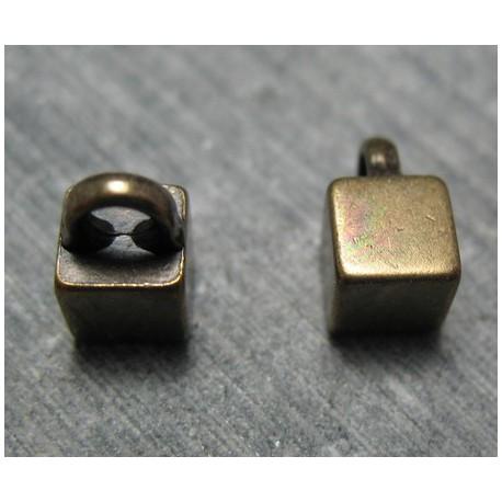 Bouton carré vieil or 6 mm b65