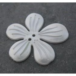 Bouton 5 pétales blanc nacré 35 mm  b10