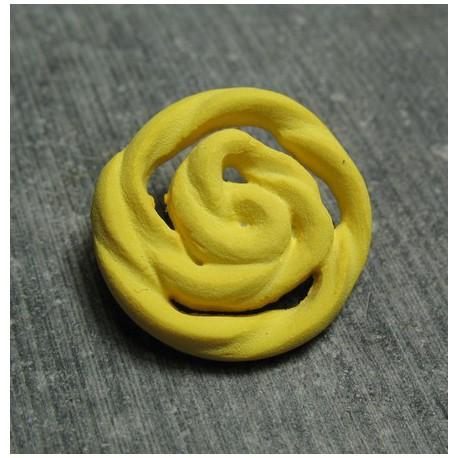 Bouton rose jaune 22 mm b72