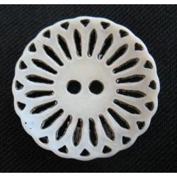 Bouton os ciselé découpé 22 mm b52
