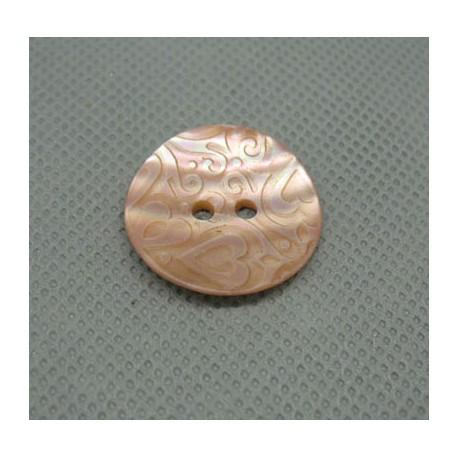 Bouton nacre gravé coeur rose 22 mm