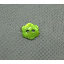 Bouton nacre fleur vert anis 10mm