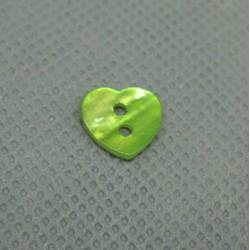 Bouton nacre coeur vert anis 10mm