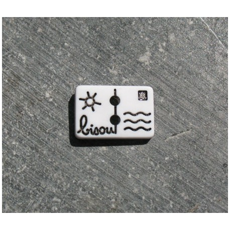 Bouton carte postale bisou blanc noir 13 mm