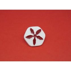 Bouton fleur hexagonale blanc rouge 21mm