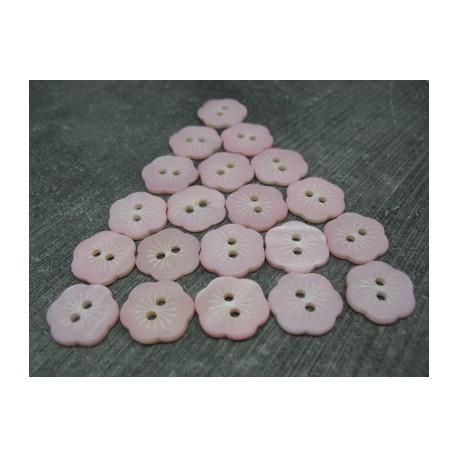 Lot 20 boutons fleur nacre de rivière rose gravé 15mm