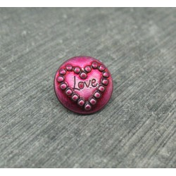 Bouton coeur gravé love rubis 13mm