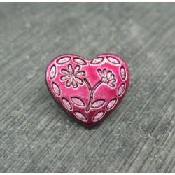 Bouton coeur gravé 2 fleurs cassis 15mm