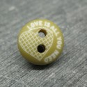 Bouton love is all you need olive 12mm
