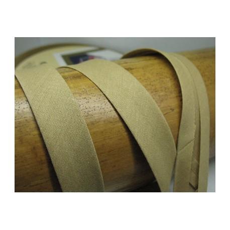Biais N°62 beige polycoton préplié 9mm fini