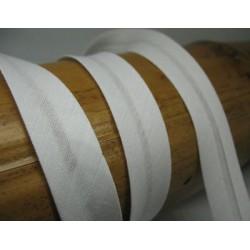 Biais N°63 blanc polycoton préplié 9mm fini