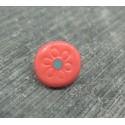 Bouton fuschia fleur gravé turquoise 10mm