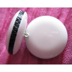 Bouton seventies blanc cerclé noir 36mm