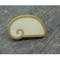 Bouton escargot stylé blanc or 22mm