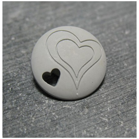 Bouton coeur gris 18 mm b70